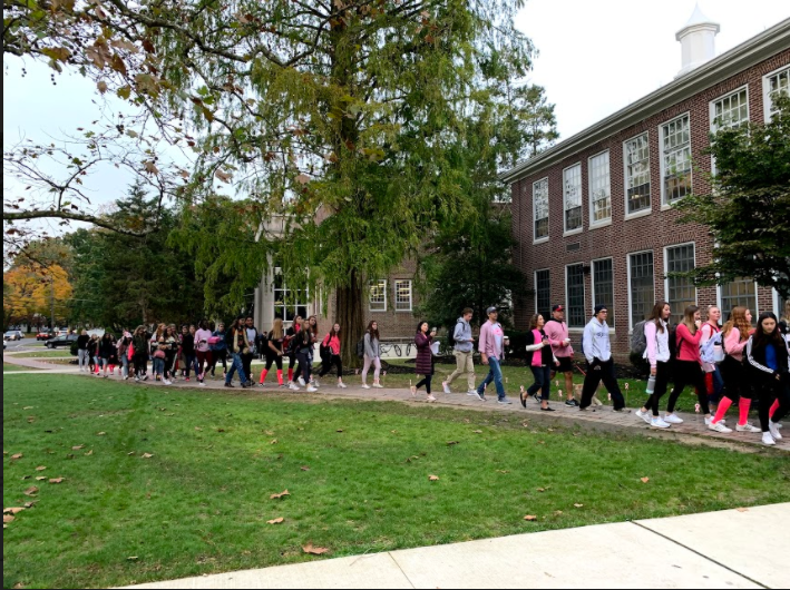 Haddonfield+Walks+to+Support+Breast+Cancer+Awareness